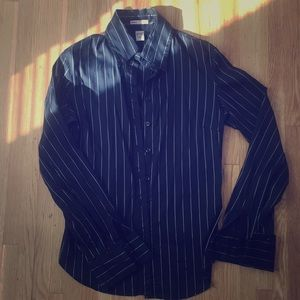 H&M Black and White pin-stripped button down - US8